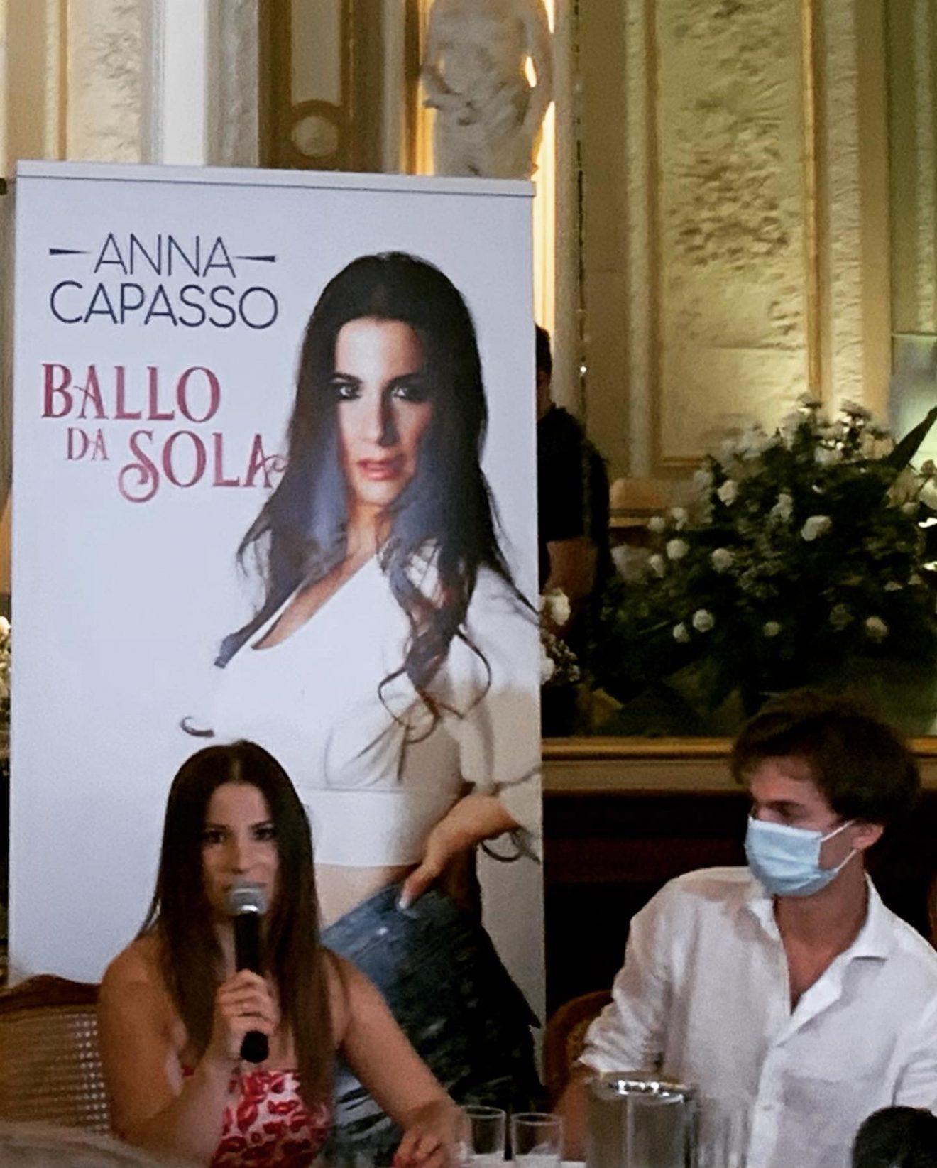 """Anche quest'estate saremo in compagnia con Anna Capasso ed il suo nuovo singolo """"Ballo da Sola""""."""