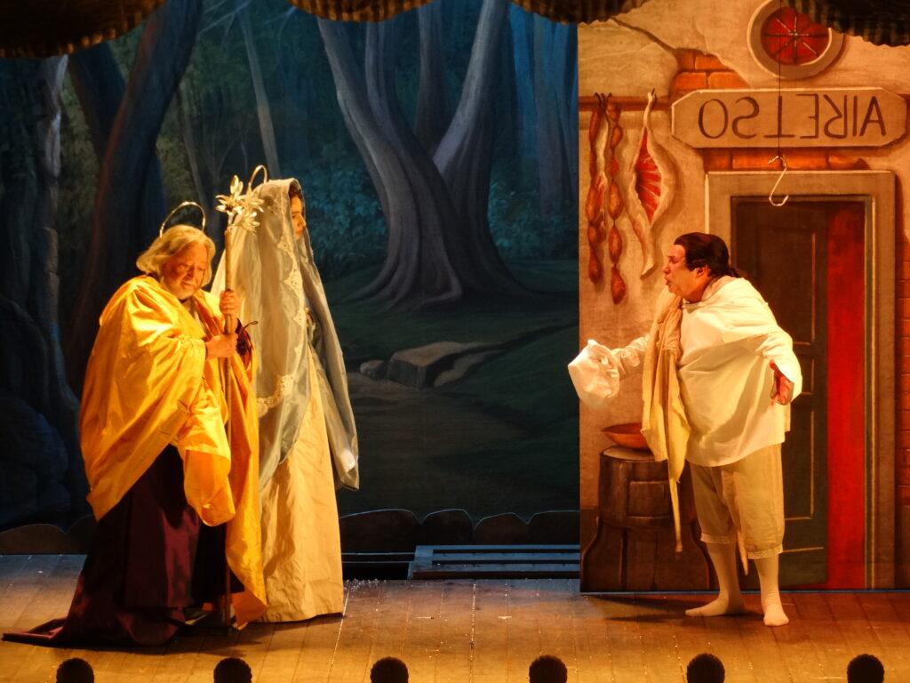 """""""Trianon Opera"""", il nuovo spettacolo di Roberto De Simone  nel ritrovato teatro pubblico di Forcella"""